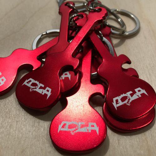 Červené otvíráky pro kapelu DOGA